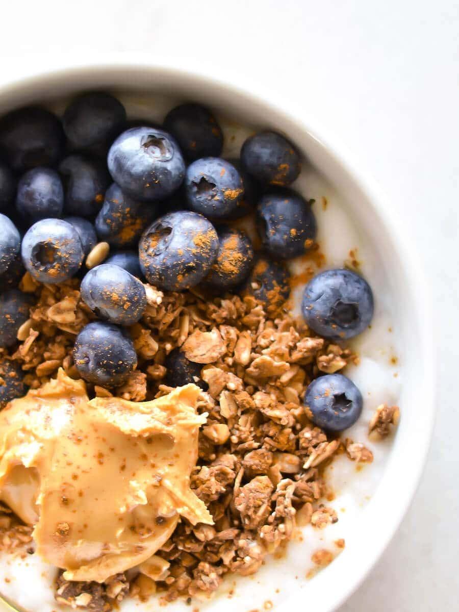 A closeup of the yogurt bowl.